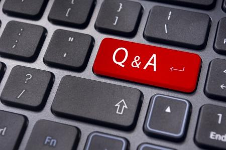 control de calidad: Clave del teclado Q & A de entrar, para el uso conceptual. Foto de archivo