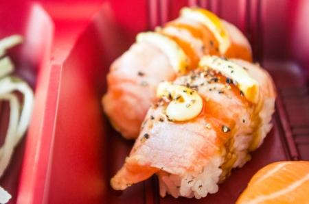 Japans eten, sushi in bento box. Stockfoto - 23117140