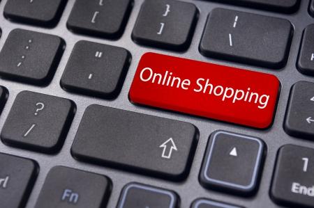 tecla enter: concepto de compras en línea con el mensaje de teclado de ordenador ENTER. Foto de archivo
