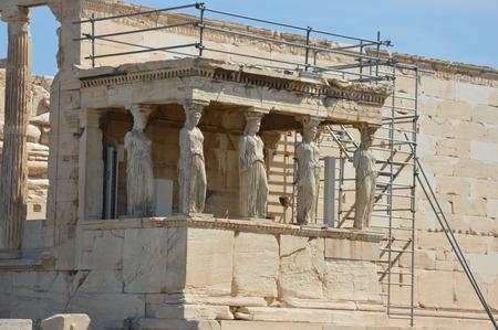 angle: Kariatides of Acropolis left angle
