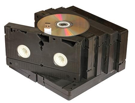videocassette: cintas de vídeo con DVD y memoria flash Foto de archivo