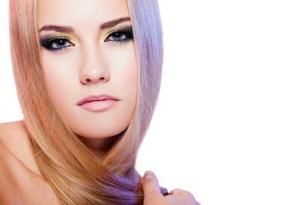 Beauty Portrait der weiblichen Modell mit bunten Make-up auf weißem Hintergrund Standard-Bild - 15708553