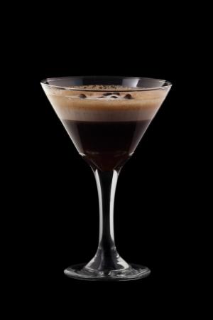ajenjo: Espresso-Absinthe coctail aisladas sobre fondo negro