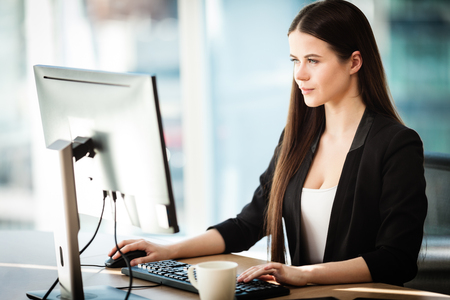 Young businessman in office Stock Photo - 101868720