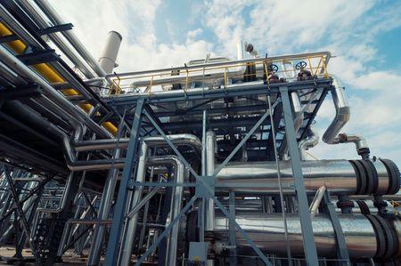 destilacion:   refiner�a de petr�leo Foto de archivo