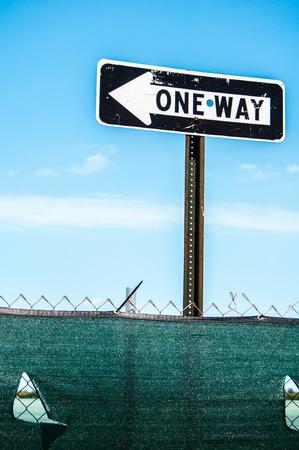One way, make a choice 스톡 콘텐츠 - 123322055