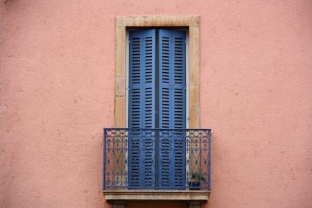 old times: rosa y azul balc�n pared de los viejos tiempos