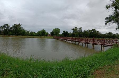 Bridge to archaeological site. Banque d'images