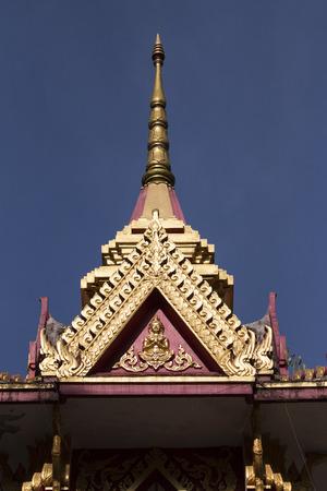 pin�culo: Pin�culo del templo en Tailandia Foto de archivo