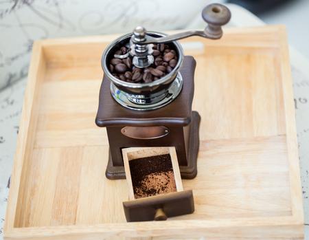 コーヒー豆のコーヒーグラインダー