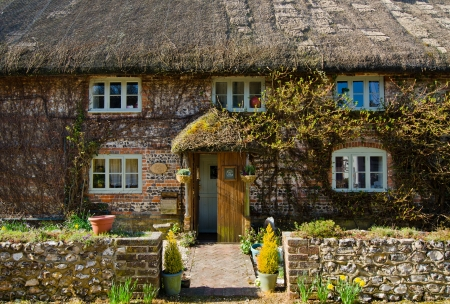 english house: English Village Cottage
