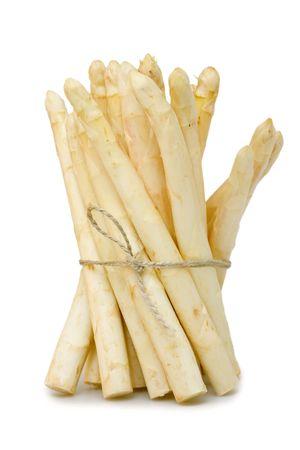 bunched: Asparagi freschi raggruppato su sfondo bianco