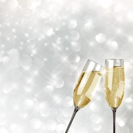 Grillage avec verres de champagne de fond très festive Banque d'images - 43347578