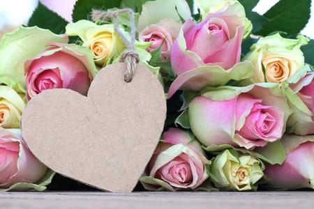 etikett: Heart shaped mothers day card