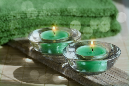 harmonie: Towel, aromatic candles and other spa objects