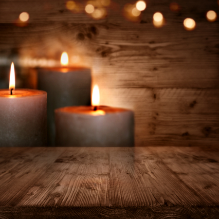 Huts romance with candles and bokeh background