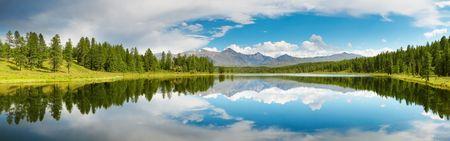 Mountain lake Stock Photo - 1954650