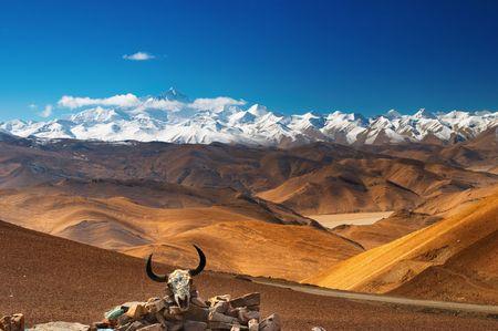 grandeur: Mount Everest, view from Tibet