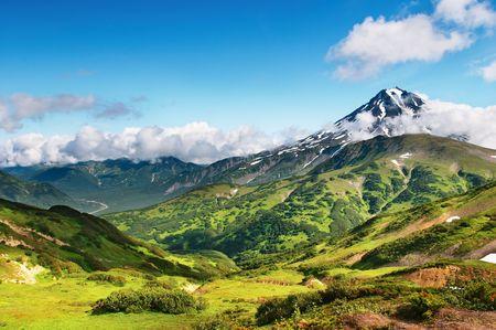 kamchatka: Paesaggio montano con vulcano spento  Archivio Fotografico