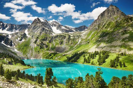 massif: Beautiful turquoise lake in Altai mountains Stock Photo