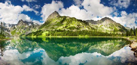 to altai: Beautiful lake in Altai mountains Stock Photo