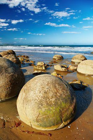 현상: Famous Moeraki Boulders, natural phenomenon, New Zealand