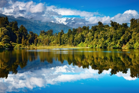 Beautiful lake, Southern Alps, New Zealand  版權商用圖片