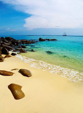 bounty: Playa tropical, Islas Phi-Phi, mar de Andaman, Tailandia