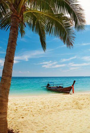 Tropical beach, Bamboo Island, Andaman Sea, Thailand  Фото со стока