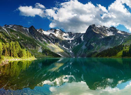 to altai: Beautiful turquoise lake in Altai mountains Stock Photo