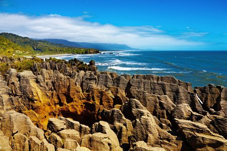 orificio nasal: Punakaiki Pancake Rocks, costa oeste, en Nueva Zelanda.