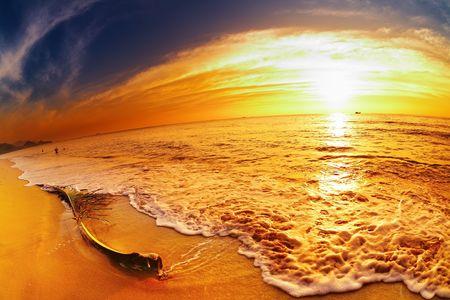 Tropical beach at sunset, Chang island, Thailand, fisheye shot Фото со стока - 8280578