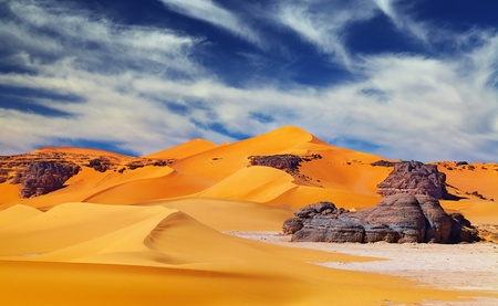 Sand dunes and rocks, Sahara Desert, Algeria Stok Fotoğraf