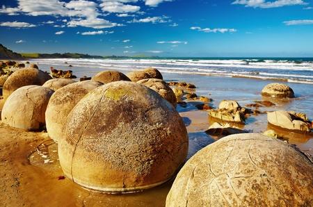유명한 모에 라 키 바위, 사우스 아일랜드, 뉴질랜드 스톡 콘텐츠