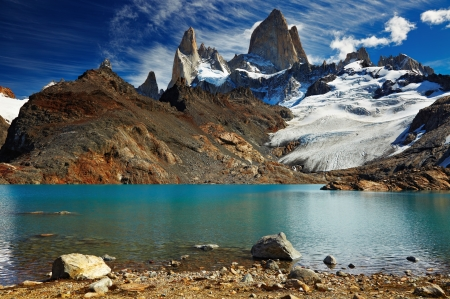 tres: Laguna de Los Tres and mount Fitz Roy, Los Glaciares National Park, Patagonia, Argentina Stock Photo