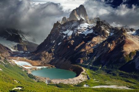 マウント フィッツ ロイとラグナ トッレ、ロス ・ グラシアレス国立公園、パタゴニア、アルゼンチン 写真素材