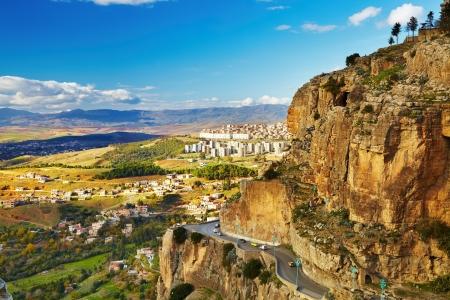 Constantino, la tercera ciudad más grande de Argelia Foto de archivo - 13746673