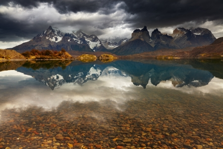 torres del paine: Sunrise in Torres del Paine National Park, Lake Pehoe and Cuernos mountains, Patagonia, Chile