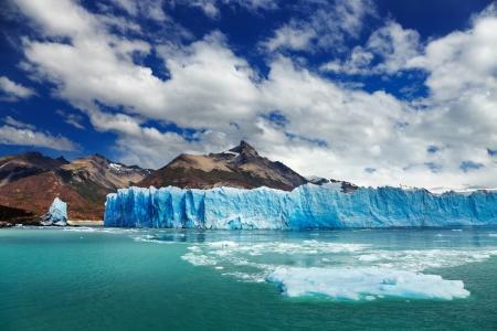 ペリトモレノ氷河、アルヘンティーノ湖パタゴニア アルゼンチン