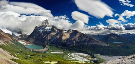 laguna: Mount Fitz Roy and laguna Torre, Los Glaciares National Park, Patagonia, Argentina Stock Photo