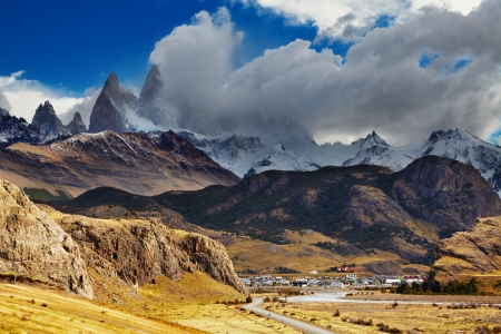 fitz roy: El Chalten is a small town near the mount Fitz Roy; the trekking capital of Argentina Stock Photo