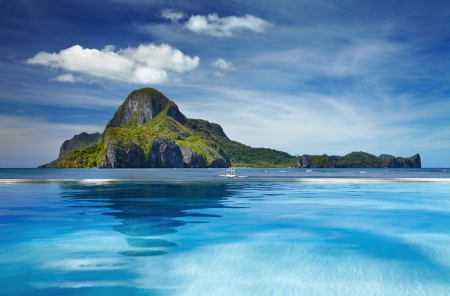 philippines: Landscape with swimming pool and Cadlao island, El Nido, Philippines