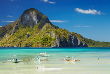El Nido bay and Cadlao island, Palawan, Philippines Foto de archivo