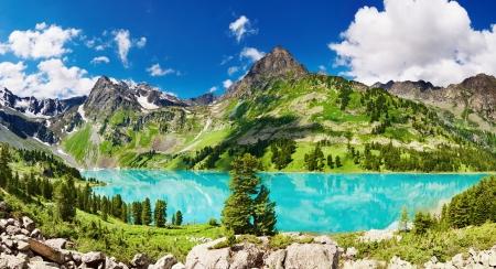 Beautiful turquoise lake in Altai mountains Stock Photo