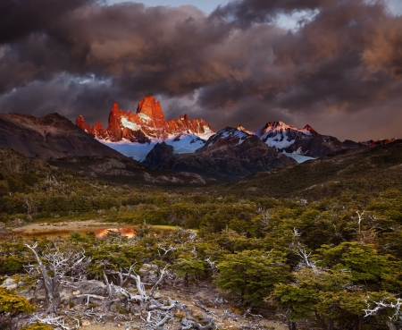 fitzroy: Mount Fitz Roy at sunrise  Los Glaciares National Park, Patagonia, Argentina