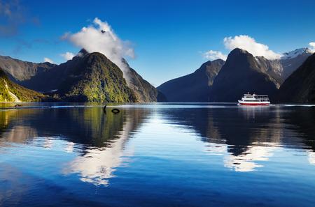sonido: Milford Sound, Isla Sur, Nueva Zelanda Foto de archivo