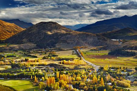 山の風景、クイーンズタウン、ニュージーランドの近く 写真素材