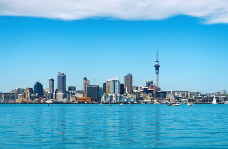 Auckland- NOV 14, 2008: Auckland City skyline on november 14, 2008 in Auckland, New Zealand. Auckland is biggest and most populous city in the country, with a population over 444,000 新闻类图片