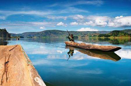 ウガンダの Bunyonyi 湖 報道画像