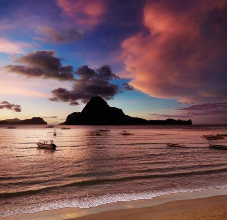 palawan: El Nido bay and Cadlao island at sunset, Palawan, Philippines